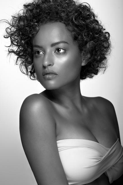 Fotografía de jorge juan piqué para Nthephoto. Retrato para Beauty Book